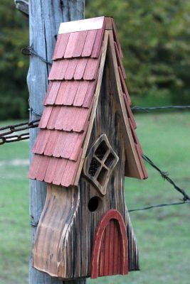 HEARTWOOD BIRD HOUSE 225A